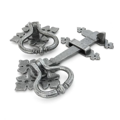 Shakespeare Latch Set